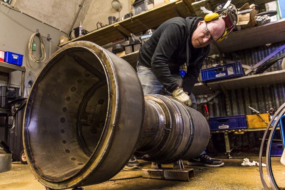 Carsten Brandt - Working on the HEAT-1600 LE Booster. Image by Jev Olsen, Copenhagen Suborbitals.